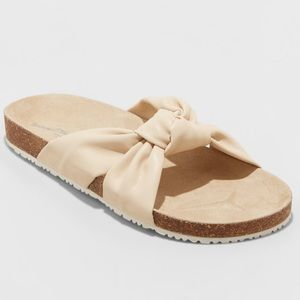 NWT Universal Thread Junie Knotted Footbed sandals